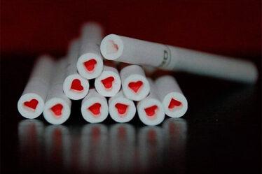 Ritual enamorar alguien rapidamente cigarro 4315293
