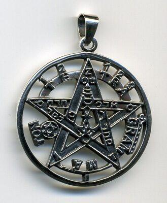 taslismanes y amuletos poderosos 6720597